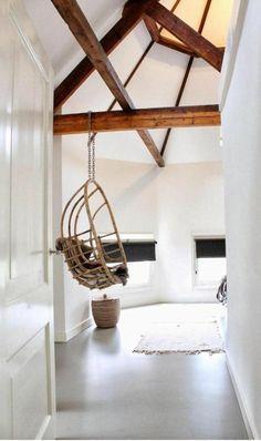 Salle de séjour balançoire avec chaine en fer