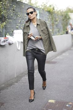 Street-Style Looks From Milan Fashion Week Milan Fashion Week Street Style, Looks Street Style, Style Désinvolte Chic, Tomboy Style, Latest Fashion For Women, Womens Fashion, Mode Jeans, Mein Style, Street Chic