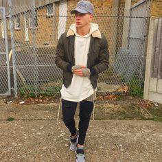 Brandon Myers, How To Look Skinnier, S Man, Super Skinny Jeans, Cool Outfits, Rain Jacket, Windbreaker, Men Street, Aw17