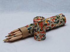 Stiftbecher & -Köcher - Buntstifte in Köcher - ein Designerstück von Buchpapier bei DaWanda