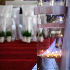 dekoracja kościoła świece pływające tuby wodne