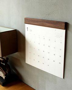 お部屋に馴染むおしゃれな木製壁掛けカレンダー「Wall Calendar」 Calendar Layout, Art Calendar, Desk Calendars, Printable Calendars, 2021 Calendar, Graphic Design Magazine, Magazine Design, Design Poster, Book Design