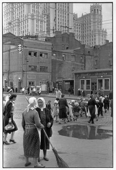 SOVIET UNION. Moscow. 1954. by Henri Cartier-Bresson