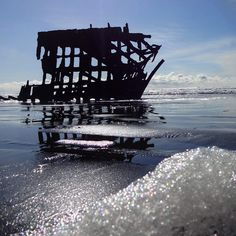 Peter Iredale Shipwreck (low angle) #peteriredale #peteriredaleshipwreck #astoria #pwn #oregoncoast #pnwonderland #pacificbeach #upperleftusa #pnwisbeautiful #pacificcoast #shipwreck #iphoneonly #nofilter #usa #pacificbeach #pacific