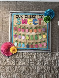 DIY summer bulletin board décor is filled with fun. Browse through some of our cool summer bulletin board ideas to help spruce up your summer classes. Kindergarten Bulletin Boards, Classroom Bulletin Boards, Kindergarten Classroom, Classroom Door, Bulletin Board Boarders, Preschool Boards, Future Classroom, Preschool Activities, Diy Classroom Decorations