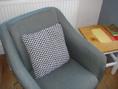 Krížikové vyšívanie Chair, Furniture, Home Decor, Decoration Home, Room Decor, Home Furnishings, Stool, Home Interior Design, Chairs