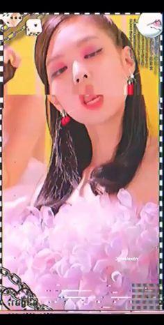 I Need Vacation, Kpop Girl Bands, Blackpink Video, Story Video, Black Pink Kpop, Blackpink Fashion, Jennie Blackpink, Stiles, Bts Pictures