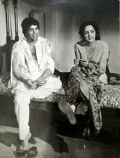 Bollymusings (Search results for: Hema Malini) Bollywood Outfits, Bollywood Couples, Bollywood Wedding, Vintage Bollywood, Bollywood Stars, Bollywood Celebrities, Guess The Movie, Film World, Bollywood Pictures