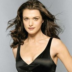 Rachel Weisz is an English actress and a former model. Weisz started working in a British TV mini-series and debuted in films in 1994 with Death Machine. Chain Reaction in 1996 was her breakthrough film which led to plum roles in movies like The M. Rachel Weisz, Cute Brunette, Brunette Woman, Famous Blondes, Blonde Actresses, Stunning Women, Beautiful Celebrities, Absolutely Stunning, Jackie Kennedy