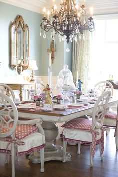 Vintage French Country Dining Room Design Ideas (54)