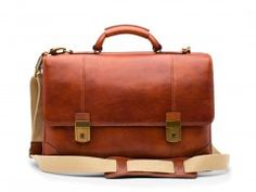 Bosca's Double Gusset Flapover is made from top quality leather with extreme attention to detail. Mens Luggage, Trolley Bags, Leather Duffle Bag, Elegant Man, Garment Bags, Italian Leather, Timeless Fashion, Leather Men, Messenger Bag