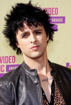 http://hotpicsat.info/billie-joe-armstrong-hot-pics-biography Billie Joe Armstrong is a hot American rock musician and occasional actor, best known as the lead vocalist, main songwriter, and guitarist fro the American punk rock band Green Day. He was born on February 17, 1972 in Oakland, California, United States