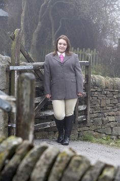 Fuller Fillies Vixen Show Jacket, Showpro Breeches, Ratcatcher Show Shirt and Show Tie.