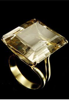 Ring    H. Stern.  Citrine and 18K Yellow Gold. Beautiful shade of citrine.