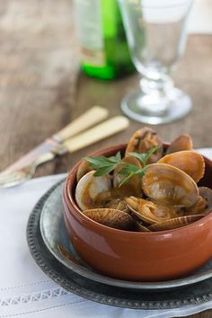 Almejas a la marinera. Receta tradicional gallega