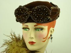 VINTAGE HAT 1940s BROWN VELOUR TOPPER w AUTUMN GLASS BEADING & BOWS, STUNNING!