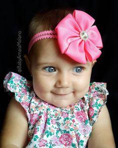 Esta fue la cara de Amaia al enterarse que hoy nos vamos lejos de casa para pasear💕 esta vez uso mi lazo creación de @accesorioshj ❤ Muchas gracias😍 #lovely #baby #babygirl #bebe #blueeyes #fashionbaby #babyfashionista #babystyle #venezuela #caracas #bebefeliz #babyphotography #fotografia #outfitbaby #babyoutfit #casting #talentovenezolano #niña #adorable #follow #babymodel #headband  #babystyle #cutebaby #cuteness #justbaby #babylove