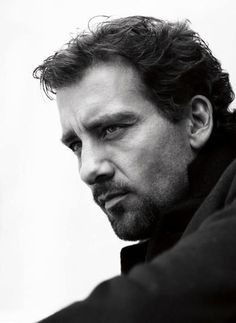 A Daily Community Devoted to Clive Owen - Clive With A Goatee! Pretty Men, Gorgeous Men, Beautiful People, Looks Black, Black And White, Clive Owen, Its A Mans World, Attractive Men, Famous Faces