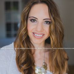 Hey, teaser from other day. She is a lovely and beautiful healt coach in Madrid! Can't wait to share more from her photo branding session.  Sorry about uploading this twice, but last time it was missing watermark. And I'm a bit obsessed with watermarks. ; )