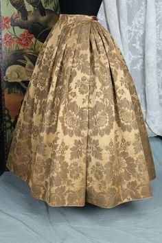 Bad Girl Aesthetic, Folk Clothing, Skirts, Outlander, War, Dresses, Dance, Embroidery, Rose