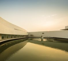 Gallery of The Building on the Water / Álvaro Siza + Carlos Castanheira - 32