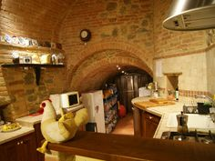 Property for sale in Umbria Between Todi and Perugia Italy - Town House > http://www.italianhousesforsale.com/property-italy-umbria-casa-deruta-1662.html
