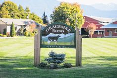 The natural, rustic look of our custom sandblasted wood signs is ideal for your farm or ranch. Landscaping Near Me, Outdoor Landscaping, Sandblasted Wood, Driveway Sign, Farm Entrance, Farm Name, Farm Plans, Outdoor Signage, Farm Logo