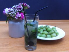 Local restaurant The Mistley Thorn created this refreshing gooseberry and mint cordial with our It's a lovely balance of sweet and tart, and the first time we've tried gooseberries in a drink. Try it mixed with rum as a mojito cocktail. Mint Mojito, Mojito Cocktail, Gooseberry Recipes, Long Drink, Cocktails, Drinks, Eating Raw, Fresh Mint, Your Recipe