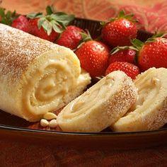 Bras de gitan (ou Bras de Vénus) - Dessert traditionnel catalan en forme de biscuit roulé. Il peut être fourré selon le goût de chacun : crème pâtissière, crème chantilly, confiture de fraises, d'abricots ou de chocolat.