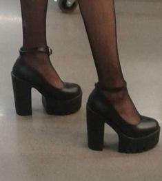 Dr Shoes, Me Too Shoes, Ballet Shoes, Aesthetic Shoes, Aesthetic Clothes, Pretty Shoes, Cute Shoes, Funky Shoes, Crazy Shoes