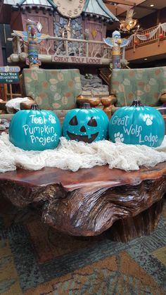 Howl-O-Ween is Orange, Black and Teal All Over | Great Wolf Lodge and the Teal Pumpkin Project.