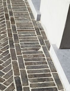 Wienerberger - Photo gallery Garden Paving, Garden Paths, Outside Living, Outdoor Living, Back Gardens, Outdoor Gardens, Landscape Design, Garden Design, Paving Pattern