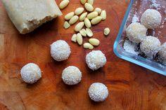 DIA raffaello jen z kokosu Almond, Yummy Food, Yummy Recipes, Stuffed Mushrooms, Xmas, Christmas, Vegetables, Cake, Sweet