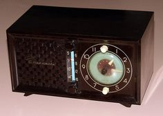 Vintage Emerson Clock Radio, Model 695 Series B, Broadcast Band Only (MW), Made In USA, 5 Tubes, Circa 1951 - 1952.