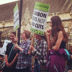 #YoungGreens @ #peoplesclimatemarch #PalaceOfWestminster #UKParliament #HousesOfParliament #Westminster #CityOfWestminster #London #UK #ClimateMarch  #GreenParty.org.uk  YoungGreens.org.uk by lightanddark86