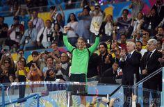 サッカーW杯ブラジル大会(2014 World Cup)決勝、ドイツ対アルゼンチン。最優秀GK賞を受賞したドイツのマヌエル・ノイアー(Manuel Neuer、2014年7月13日撮影)。(c)AFP/PATRIK STOLLARZ ▼14Jul2014AFP|【写真】W杯優勝を飾った歓喜のドイツ http://www.afpbb.com/articles/-/3020426 #Brazil2014 #Germany_Argentina_final