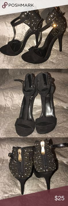 ♠️ black heels ♠️ ♠️ black heels ♠️ size 6.5 ♠️ never used Unsensored Shoes Heels