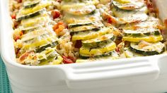 Squash Casserole This colorful squash casserole is fresh and full of flavor--the perfect side dish!This colorful squash casserole is fresh and full of flavor--the perfect side dish! Veggie Recipes, Vegetarian Recipes, Cooking Recipes, Healthy Recipes, Free Recipes, Vegetarian Dish, Soup Recipes, Vegetarian Casserole, Casserole Recipes