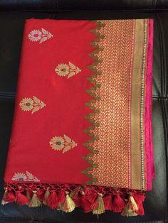 New Very Exclusive Red handwoven pure silk Banarasi saree Lehriya Saree, Saree Dress, Banaras Sarees, Kanchipuram Saree, Embroidery Motifs, Embroidery Dress, Pattu Sarees Wedding, Bandhini Saree, Saree Tassels Designs