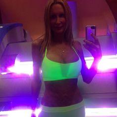 Taylor Lianne Chandler #selfie #tanning