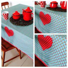 Toalha de mesa com coração <3