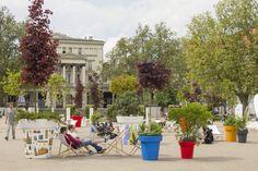 Poznań już pokochał donice! A ty?   Nunoni   poznań design days   public space with large flower pots gianto