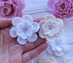 53 Crochet Flower Patterns And What To Do With Them Easy 2019 Crochet Puff Flower, Crochet Flower Patterns, Flower Applique, Crochet Flowers, Crochet Gifts, Easy Crochet, Crochet Baby, Crochet For Beginners, Flower Tutorial