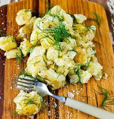 Bilde av «Knuste» potetermed sitron og dill