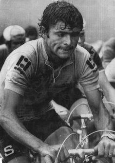 José Manuel Fuente ganó dos etapas del Tour de Francia de 1971. Bike Poster, Vintage Cycles, Bicycle Race, Photographs Of People, Cycling Art, Classic Bikes, Cyclists, Bmx, Art Pictures