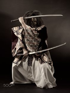 """""""Learn the form, but seek the formless. Hear the soundless. Learn it all, then forget it all. Learn The Way, then find your own way. Japanese Mask, Japanese Warrior, Japanese Sword, Samurai Poses, Sword Poses, Arte Ninja, Samurai Artwork, Samurai Tattoo, Samurai Warrior"""