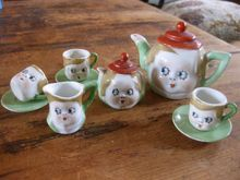 1920's Deco Kewpie Doll Tea Set With Molded Faces