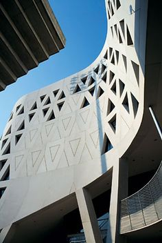 Bernard Tschumi Architects, Richard E. Lindner Athletics Center, University of Cincinnati, Cincinnati, Ohio, USA