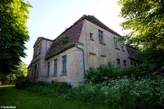 Gutshaus Sueltenhof (D) June 2014 abandoned house in the former east Germany DDR urbex decay Photo by: Jascha Hoste