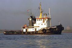 ZWITSERLAND Bouwjaar 1975, imonummer 7413830, grt 279 Eigenaar Sleepboot Maatschappij Zwitserland B.V., Terneuzen http://koopvaardij.blogspot.nl/2016/09/archief.html